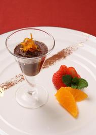 ~レシピ~チョコレートのムース オレンジのコンフィチュール添え